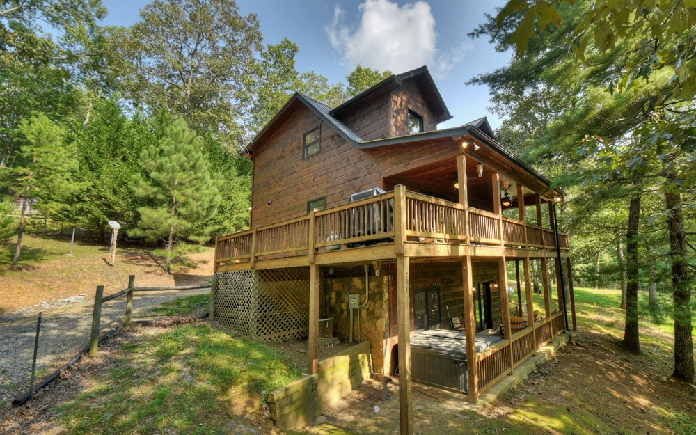 234  OLD INDIAN TRAIL