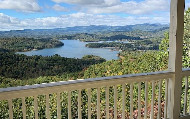 132  EAGLES VIEW DR