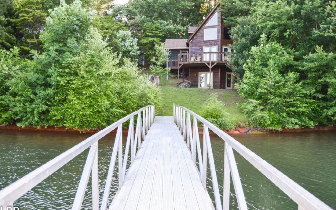 377 E LAKEVIERW DR., Hayesville, NC 28906