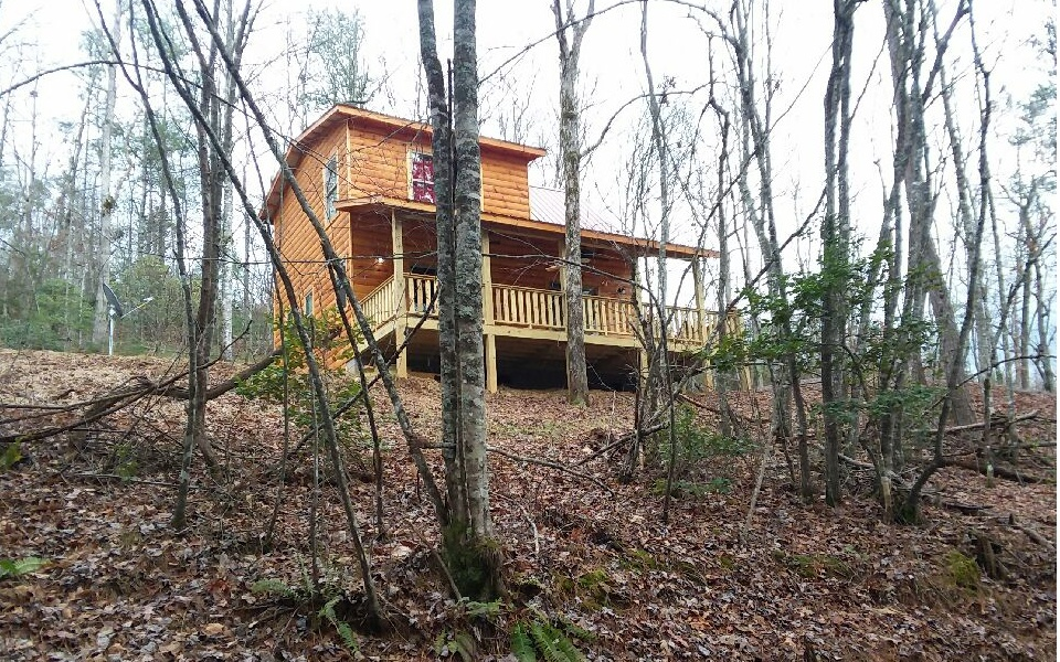 245  HICKORY WOODS