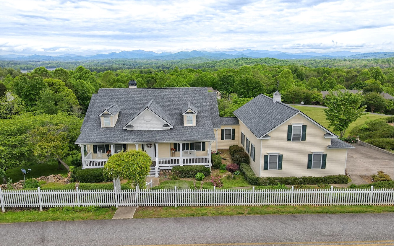 480  COLONSAY TRACE
